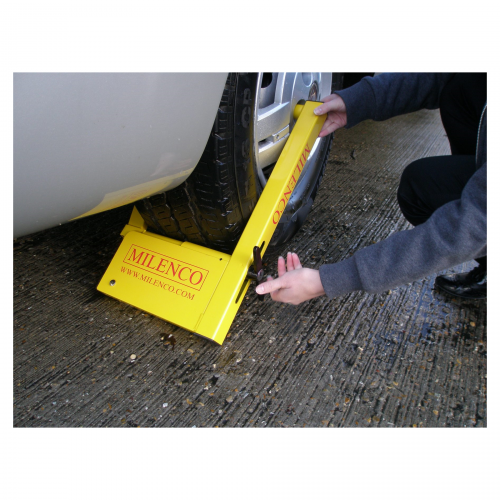 Milenco Compact Wheel Clamp 5