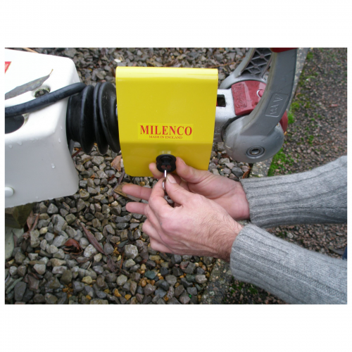 Milenco Light Weight Hitchlock 5